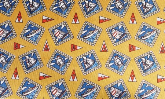 plastron rosso, giallo, oro, azzurro - quadretti, disegno 200111